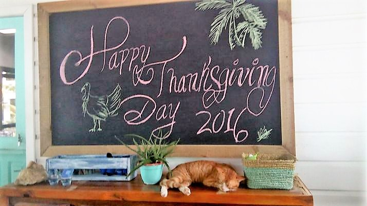 a chalkboard that says Happy Thanksgiving Day 2016